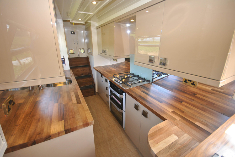 narrowboat for sale,bespoke Narrowboat,boat builders,canal